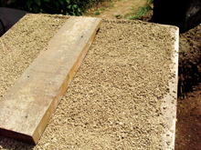 A perlite insulation layer
