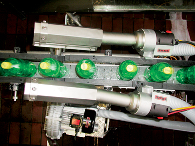 Blow-off nozzles, air heaters and blower seen from above