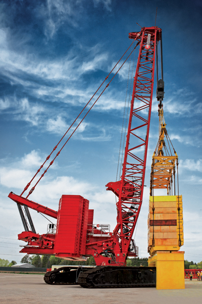 The MLC650 lifted 650 t (717 US t) of test weights, making the crane's advertised capacity official