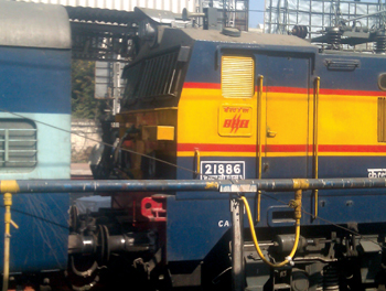 A dual-power AC/DC series locomotive made by BHEL