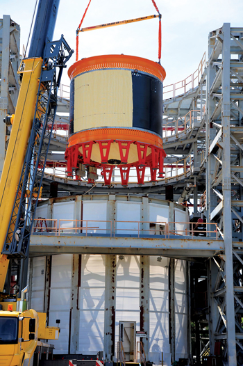 One of the largest composite cryogenic tanks has completed tests at Nasa