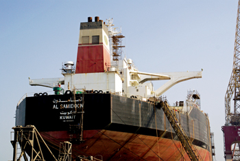 Asry is the region's most experienced shipyard