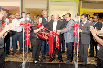 Jagtiani opening Emax's City Centre Me'aisem store