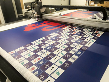 The laser cutting unit on the machine is ideal for large banners
